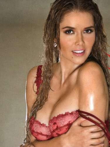 La protagonista de telenovelas como 'Gata Salvaje' y 'Corazón Apasionado' regresó por la puerta grande a la revista en la que posó por primera vez en octubre de 2006.