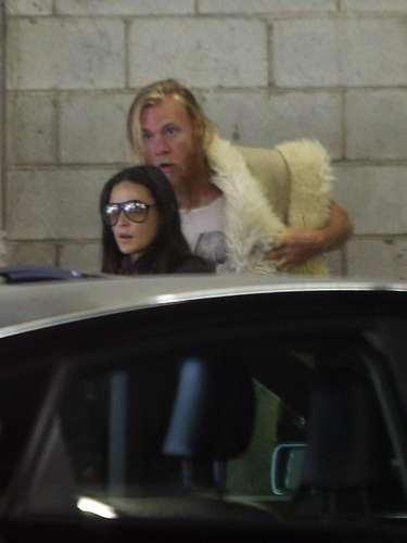 Demi Moore fue vista con un hombre 'misterioso' cuando llegaron a sus clases de Yoga. El sujeto en cuestión no se sabe quién es pero seguramente es un 'amigo cariñoso' de la actriz.