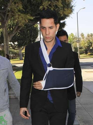 Christian Chávez asistió a la corte de Beverly Hills después del incidente que tuvo con su novio con el cual se peleó y quedó hasta con el brazo lastimado. ¿Tan dura estuvo la pelea?