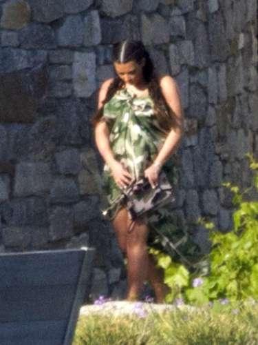 A pesar de los esfuerzos que Kim Kardashian realiza todos los días para asombrar con un buen look de embarazada, no lo logra.