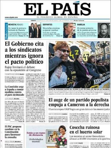 'El País' anucia en su portada la reunión que mantendrá Rajoy con los sindicatos y la patronal. La foto la dedica a las manifestaciones de dolor por el accidente del metro de Valencia, acaecido en 2006.