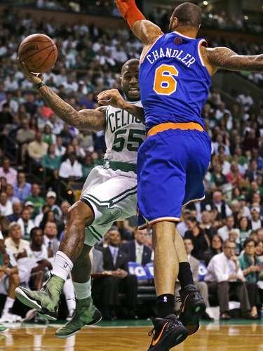 Los Knicks no ganaban una serie de playoff desde que los ya retirados Patrick Ewing y Latrell Sprewell, y el actual centro reserva Marcus Camby, les llevaron a la final de la Conferencia Este en el año 2000.