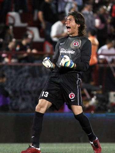 Xolos de Tijuana humilla de fea forma a las Chivas Rayadas del Guadalajara al golearlos 4-0, en una de las peores actuaciones del equipo tapatío en toda su historia.