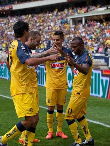 América victimó a su ex equipo,Santos,en la Jornada 15 (3-1) y contribuyó con un 'pepino'.