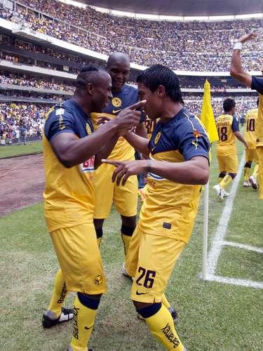 Para el Clausura 2012, Christian Benítez compartió el título de goleo con Iván Alonso, con 14anotaciones.