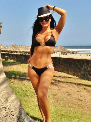Maribel Guardia Se Le Sale Una Bubi Imagenes | Search Results ...