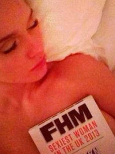 La actriz recientemente impactó con un topless que compartió en Twitter para celebrar su aparición en el ranking de las más sexys.