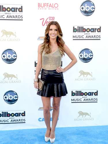 La bella deAudrina Partridge, que no canta ni en la ducha, asistió a la premiación de los Billboard Music Awards 2013