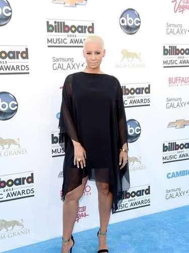 Amber Rose no podía faltar. La 'modelo' asistió en compañía de su novio, el rapero Wiz Khalifa.