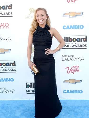 Hayden Panettiere interpreta a una cantante de country en una serie de televisión pero la actriz ha demostrado que no canta tan mal.