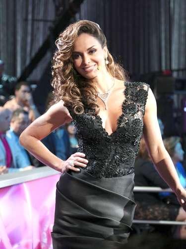 Por su parte, la ex Miss Universo, Lupita Jones, no ganó en esta oportunidad, pero se llevó la sastisfacción de llevar a la final a la tercera finalista,Viviana Ortiz.