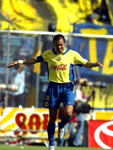 La Semifinal del Clausura 2005 fue la última vez que América y Cruz Azul se encontraron en una Liguilla, las Águilas avanzaron a la Final con un 6-2 en el marcador global, luego de dos triunfos 3-1, en la ida con doblete de Cuauhtémoc Blanco y gol de Claudio López y en la vuelta las anotaciones fueron de Aarón Padilla, Paco Torres y otra vez el 'Piojo' López.