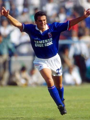 En la 1991-1992 inició una racha de cinco años consecutivos en que América y Cruz Azul se enfrentaron en una Liguilla. La Máquina se impuso 4-2 en el Repechaje, con doblete de José Manuel de la Torre y goles de Mario Ordiales y Carlos Hermosillo.