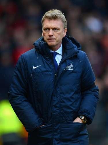 En el mercado de entrenadores,después de haberse dado a conocer la noticia sobre el retiro de Sir Alex Ferguson, el escocés David Moyes fue anunciado como nuevo entrenador del Manchester United, equipo del que se hará cargo a partir del 1 de julio del 2013.