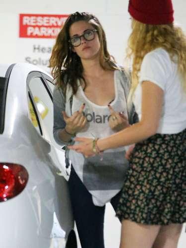 ¡Uy, qué modales! Kristen Stewart no estaba de muy buen humor al encontrarse con los paparazzi