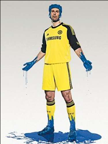 Peter Cech will stick to a bright yellow uniform to counter the blue worn by his Chelsea teammates.