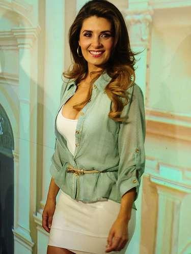 Mayrín Villanueva acudió a la presentación de la telenovela acompañada de su pareja, el también actor, Eduardo Santamarina.