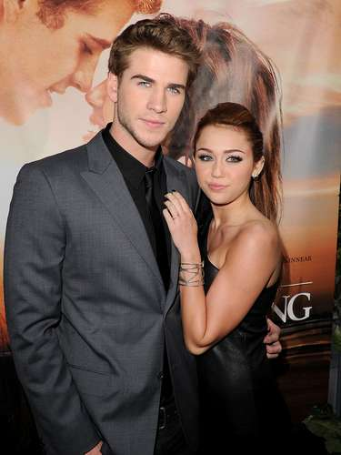 Miley y su novio Liam Hemsworth.