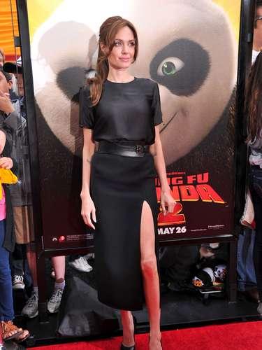 De unos años a la fecha, la actriz tuvo una clara inclinación hacia el uso del color negro. Si hay que hablar de una constante esa sería las aberturas que siempre ha lucido en faldas y vestidos.