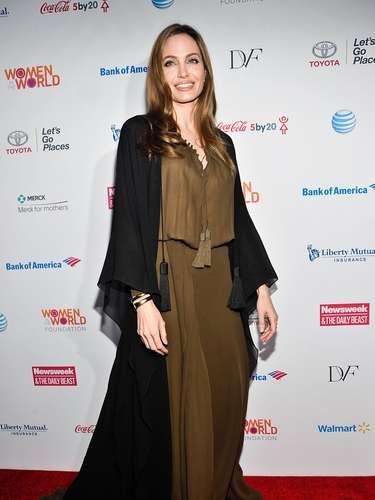 Desde el primer trimestre de 2013, la actriz comenzó a llevar túnicas envolventes y ropa mucho menos ajustada.