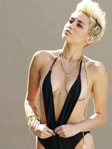 Miley Cyrus está en el tope del éxito a solo un día de haber estrenado el sencillo 'We can't stop', el cual alcanzó la posición de honor en las listas de iTunes.