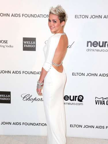 Sin duda Cyrus sabe cómo llegar a sus fans, con éste look cada vez más sexy