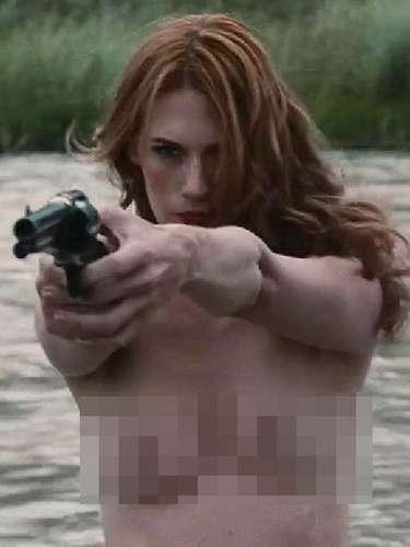 La recatada ama de casa que interpreta January Jones en la serie de televisión 'Mad Men' contrasta con su papel de prostituta viuda que se venga sádicamente de los asesinos de su esposo en 'Sweetwater' (2013).