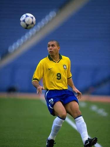 En 1997 se jugó por tercera ocasión en Arabia Saudita, pero ya con el nombre de Copa Confederaciones y ya con la participación de ocho selecciones. Con par de tripletes de Ronaldo y Romario, Brasil goleó 6-0 a Australia en la Final.