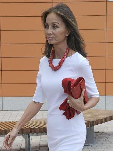 Madre e hijas causaron una gran espectación a su llegada a la universidad madrileña.
