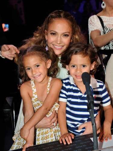 Maximilian David y Emme Maribel Muñiz son los famosos mellizos hijos de Jennifer López y Marc Anthony.