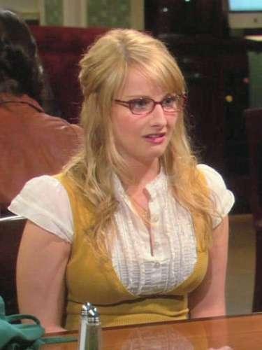 Melissa Rauch es Bernadette Rostenkowski.