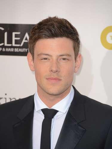 Cory Monteith, actorde la serie Glee, fue encontrado muerto en una habitación de un hotel de Vancouver el 13 de Julio del 2013.Monteith\