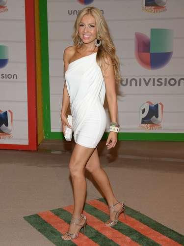 La cantante llegó sin su esposo Tommy Mottola y se declaró una seguidora de las redes sociales.