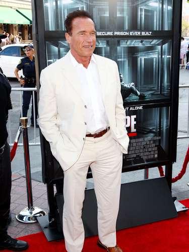 Arnold Schwarzenegger. Nació el 30 de julio de 1947. La confianza del sol de le dio al actor ese carisma tan especial que le permitióconquistar Hollywood y llegar a la política, así como su carácter agradable. Llegó al mundo en un miércoles cálido de verano, el animal de su horóscopo chino es el cerdo y el número base de su nacimiento el 4, por lo tanto todos sus logros son fruto del trabajo.
