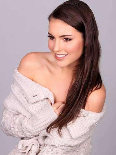 Miss Australia, Olivia Wells. Tiene 19 años de edad, su estatura es de1.81metros (5ft 11 12in) y procede deBlack Rock.