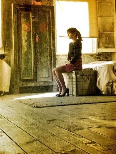 7 de Agosto - Después de la dolorosa muerte de su novio Cory Monteith, Lea Michele regresó al set de grabación de la quinta temporada de 'Glee' dispuesta a trabajar y donde ella se siente como en casa. 'Se siente tan bien estar en casa', escribió la actriz.
