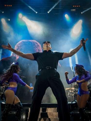 ¡Qué no pare la fiesta! Pitbull armó tremenda conga durante su concierto en el Festival Meo Sudoeste, llevado a cabo el 8 de agosto en Zambujeira do Mar, Odemira (Portugal).