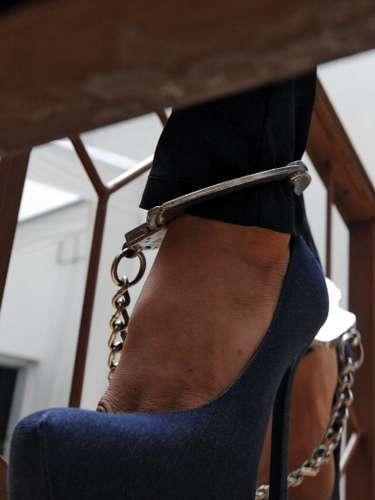 Cameo Patch, una maestra sustituta de 29 años de edad, en la Escuela Superior de Tooele, en Utah, fue arrestada en enero de 2006 después que informante advirtiera a la policía que la profesora se había ido a una cita con un estudiante de 17 años de edad y le hizo sexo oral. Fue acusada de delito por la diferencia de edad y estuvo a punto de pagar 10 años de cárcel. Al final el jurado le dio la libertad porque consideró su género, reseñan algunos medios.