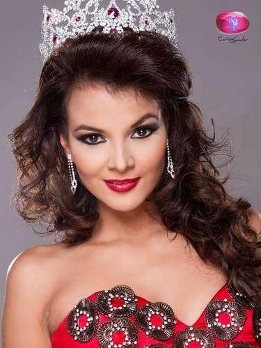 Ella esAlba Delgado, la bomba Latina que representará la belleza de la mujer salvadoreña en el certamen de Miss Universo 2013.