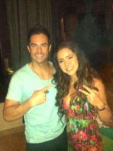 La revista TV Notas logró captar los románticos momentos entre las estrellas de la telenovela fuera de cámaras.¿Te gustaban como pareja?
