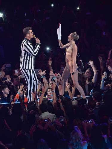 Miley Cyrus fue la que gozó más a Robin Thicke en el escenario