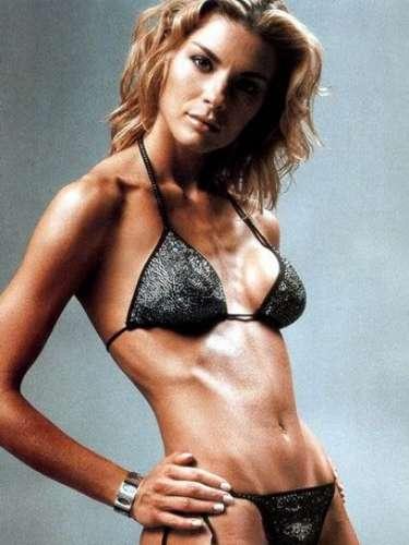 En octubre de 1991, a la edad de 16 años, Martina ganó el concurso de belleza Miss Italia, convirtiéndose en la ganadora más joven de la competición en el momento.