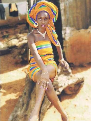 Miss Ghana - Hanniel Jamin. Tiene 18 años de edad y mide 1.76 m (5 ft 9 12 in). Procedente de Accra