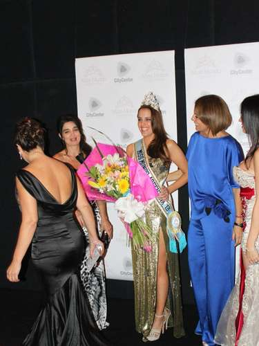 María Teresa Kuster tiene 24 años, nació en la ciudad de Buenos Aires y es la representante argentina para Miss World 2013, que se llevará a cabo en Indonesia el próximo 28 de septiembre