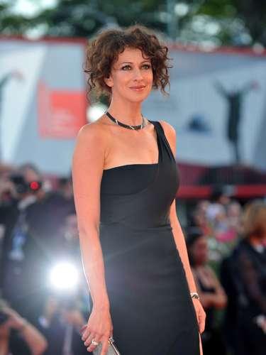 La actriz rusa Ksenia Rappoport presentó un sobrio y elegante estilo durante la gala del festival