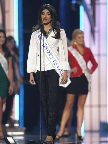 Miss America 2014 contestant, Miss District of Columbia Bindhu Pamarthi, competes in a preliminary round during the Miss America Pageant in Atlantic City, New Jersey, September 10, 2013. Miss America will be crowned during the final ceremony on Sunday, September 15.    REUTERS/Carlo Allegri  (UNITED STATES - Tags: ENTERTAINMENT)