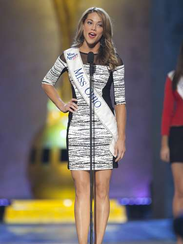Miss America 2014 contestant, Miss Ohio Heather Wells, competes during a preliminary round during the Miss America Pageant in Atlantic City, New Jersey, September 10, 2013. Miss America will be crowned during the final ceremony on Sunday, September 15.    REUTERS/Carlo Allegri  (UNITED STATES - Tags: ENTERTAINMENT)