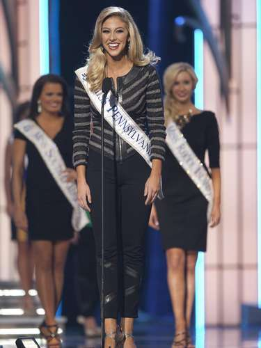 Miss America 2014 contestant, Miss Pennsylvania Annie Rosellini competes in a preliminary round during the Miss America Pageant in Atlantic City, New Jersey, September 10, 2013. Miss America will be crowned during the final ceremony on Sunday, September 15.    REUTERS/Carlo Allegri  (UNITED STATES - Tags: ENTERTAINMENT)