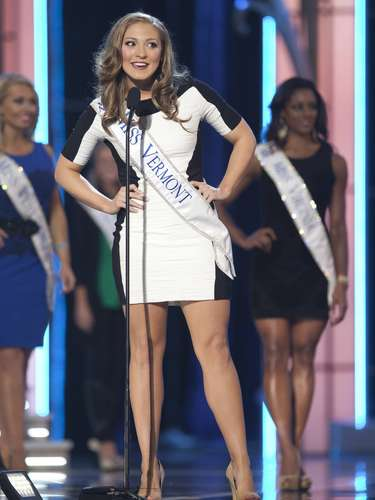 Miss America 2014 contestant, Miss Vermont Jeanelle Achee competes in a preliminary round during the Miss America Pageant in Atlantic City, New Jersey, September 10, 2013. Miss America will be crowned during the final ceremony on Sunday, September 15.    REUTERS/Carlo Allegri  (UNITED STATES - Tags: ENTERTAINMENT)