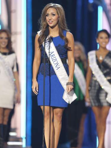 Miss America 2014 contestant, Miss Arizona Jennifer Smestad, competes in a preliminary round during the Miss America Pageant in Atlantic City, New Jersey, September 10, 2013. Miss America will be crowned during the final ceremony on Sunday, September 15.    REUTERS/Carlo Allegri  (UNITED STATES - Tags: ENTERTAINMENT)